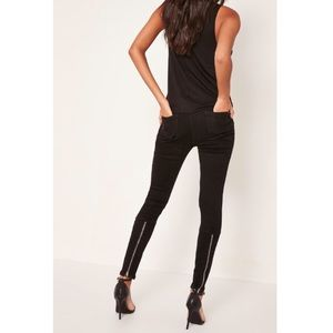 Misguided highwaisted skinny jeans.